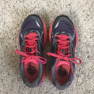 Brooks Ghost 8 - size 6.5